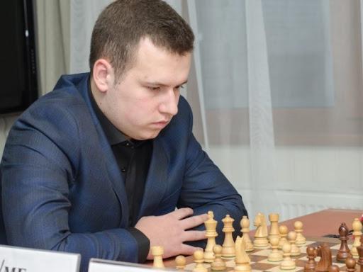 Украинский гроссмейстер стал первым на шахматном турнире в Италии