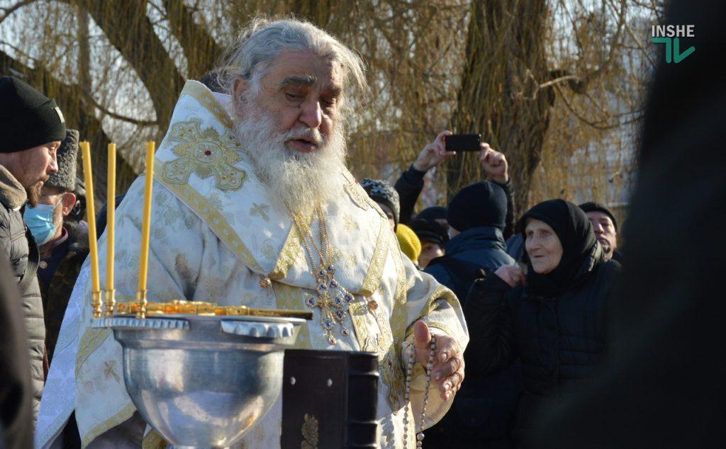 Крещение в Николаеве: сотни горожан пришли на Нижний БАМ искупаться в Ингуле (ФОТО) 5