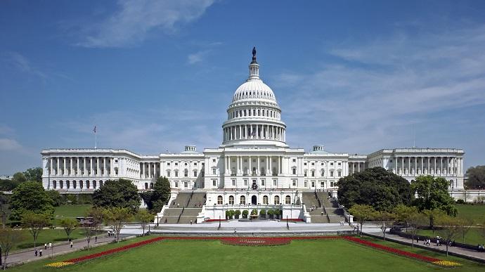 Угроза теракта в США. Сегодня неизвестные обещают взорвать Капитолий — направить на него самолет