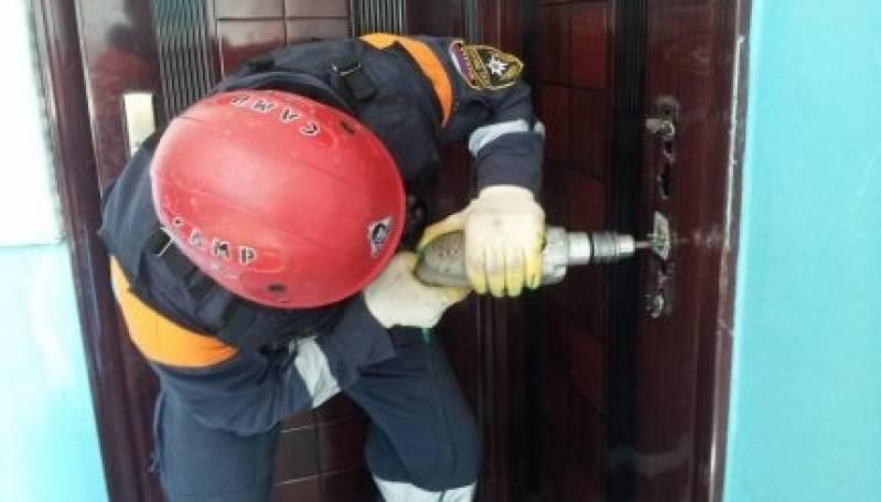 Полиция взломала дверь, чтобы зайти в дом  начальника УКС Николаева
