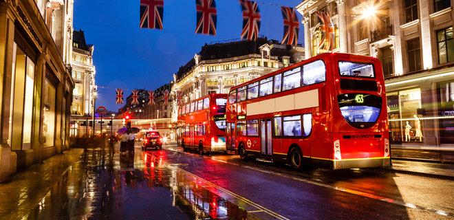 Из-за коронавируса знаменитые лондонские автобусы переоборудуют в кареты скорой помощи
