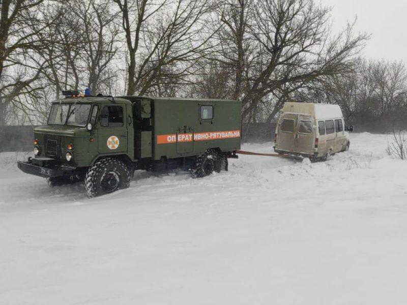 Ситуация на дорогах Николаевской области пока контролируема: спасатели только один раз отбуксировали застрявшее авто (ФОТО)