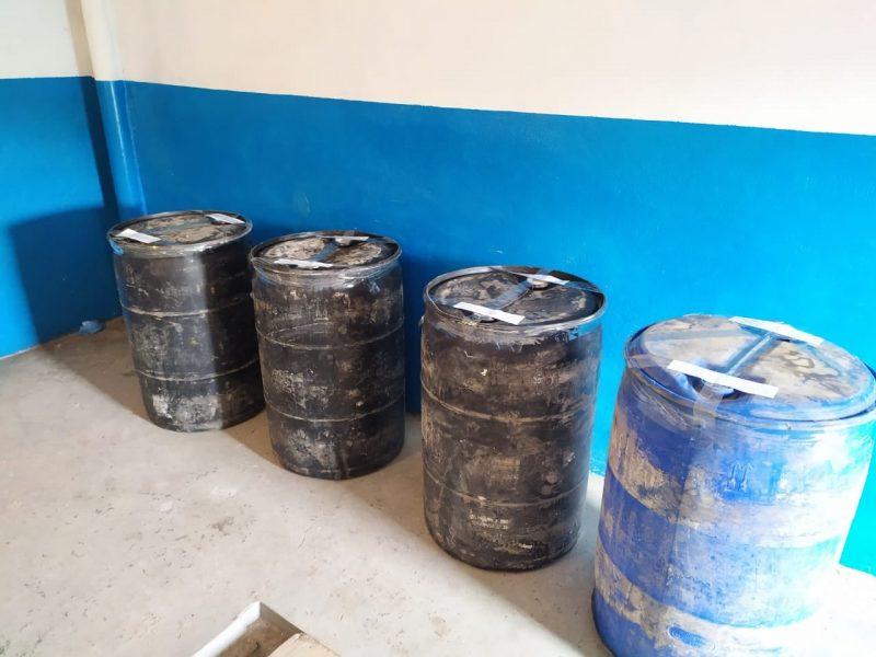 В одном из гаражей Николаева хранили почти тонну контрафактного спирта – налоговики изъяли (ФОТО)