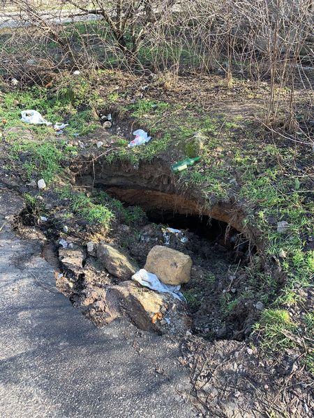 Николаев уходит под землю: еще один провал грунта возле школы №19 (ФОТО) 7