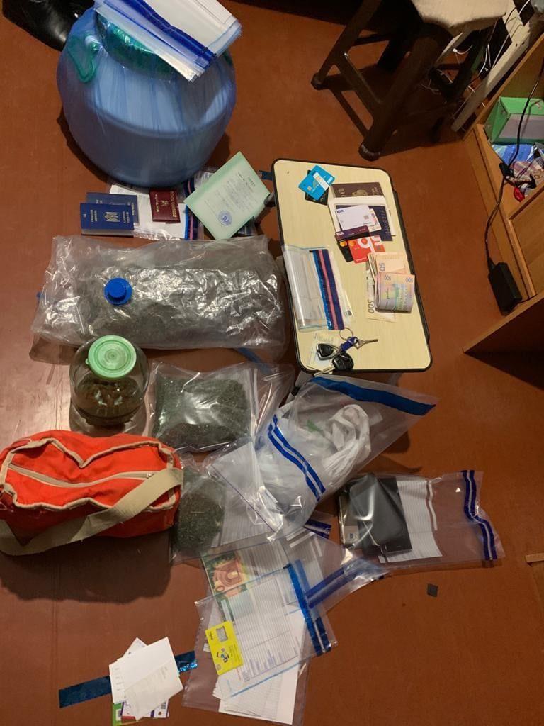 В Николаеве задержали члена преступной группировки, распространявшей тяжелые наркотики (ФОТО) 5