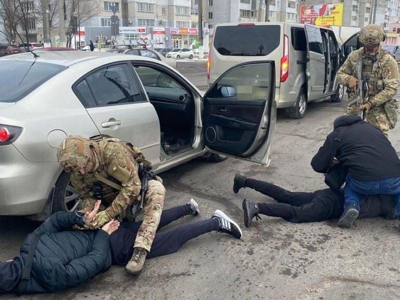 В Николаеве спецназ СБУ  задержал трех человек из «банды Апти», подозреваемых в вымогательстве. ОБНОВЛЕНО (ФОТО)