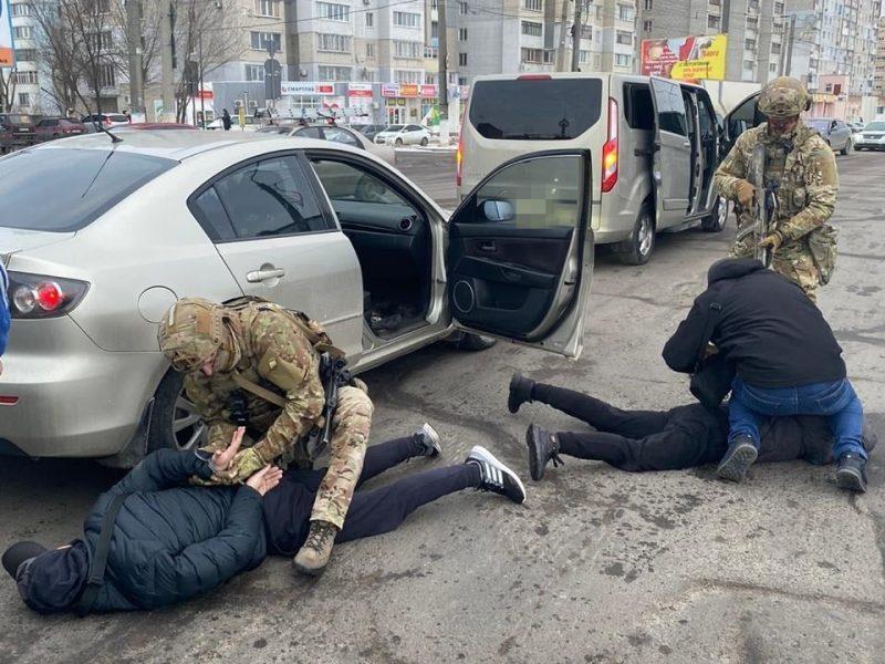 В Николаеве суд взял под стражу двух мужчин,  которые вымогали $36 тыс.  у николаевца