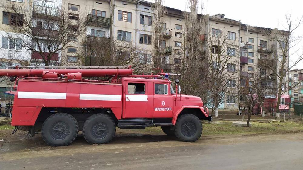 На Николаевщине утром загорелась квартира в 5-этажке - там никого не было (ФОТО) 5