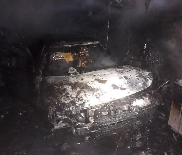 В Николаеве в гараже загорелся ВАЗ. Почему - выясняют правоохранители (ФОТО) 1