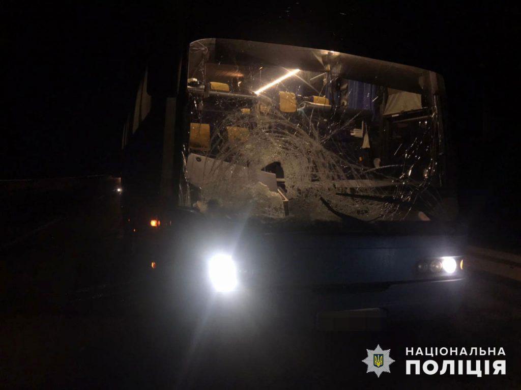 На Николаевщине рейсовый автобус на трассе насмерть сбил пешехода (ФОТО) 3
