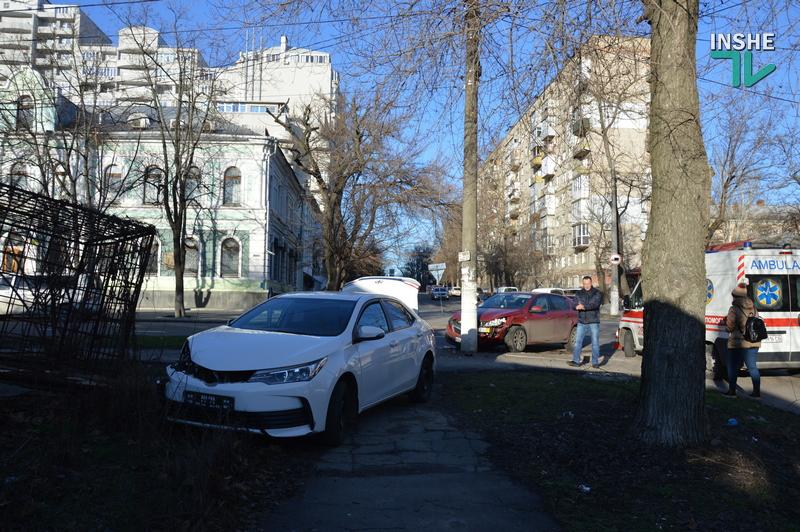 Не поделили дорогу: в центре Николаева в ДТП пострадали две иномарки (ФОТО) 3