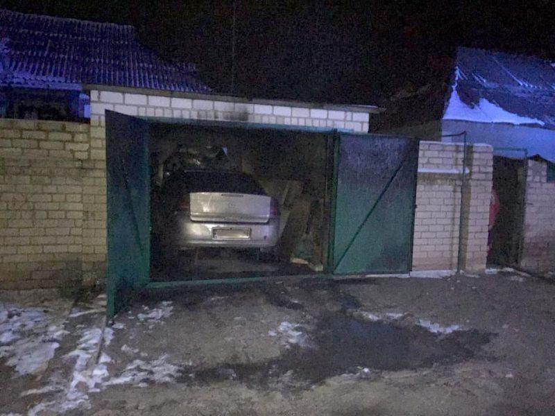 В Николаеве ночью прямо в гараже горел «Опель» (ФОТО)
