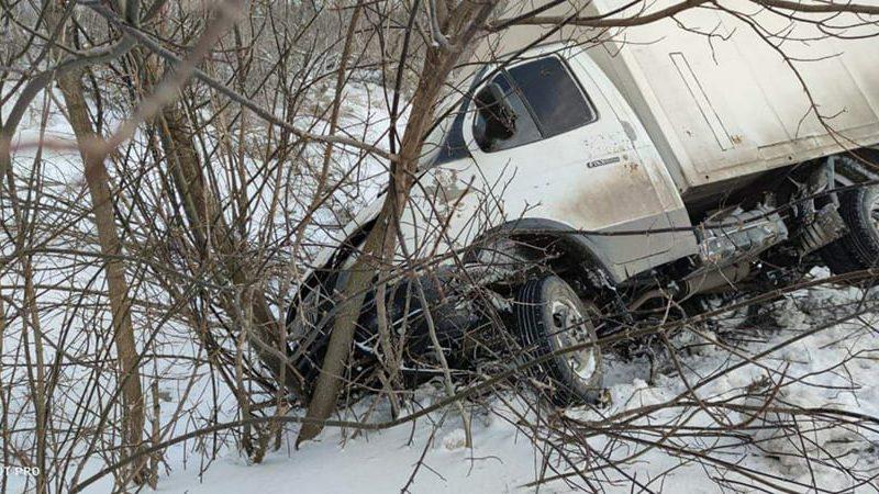 Еще четыре автомобиля вытащили спасатели Николаевщины из снежных заносов (ФОТО)