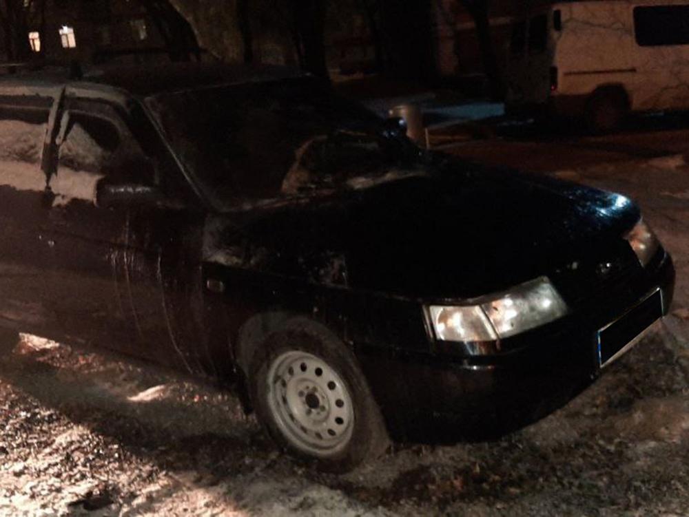 В Николаеве спасатели потушили горевшую «Ладу» - полиция подозревает поджог (ФОТО, ОБНОВЛЕНО) 1