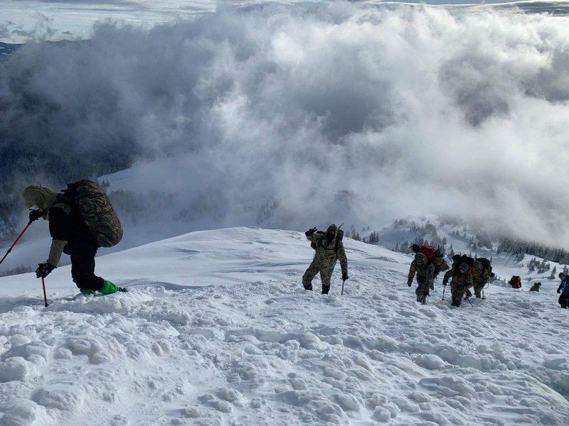 Тяжело в учении… Военнослужащие николаевского Учебного центра ВМС прошли курс горной подготовки (ФОТО)