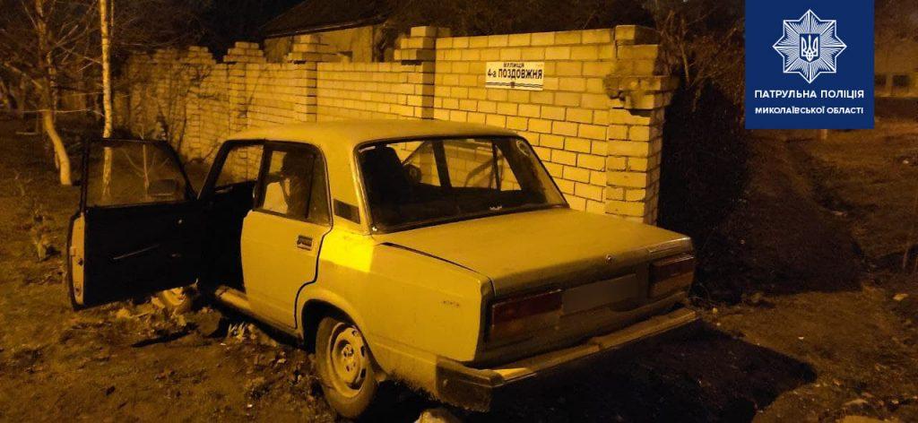 В Николаеве патрульные задержали пьяного водителя, который совершил ДТП (ФОТО) 3