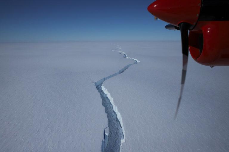 Больше Киева. Огромный кусок ледника откололся в Антарктиде – там раньше была британская станция (ФОТО, ВИДЕО)