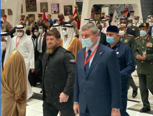 Шмыгаль потребовал от Уруского срочных объяснений за фото с Кадыровым на выставке в ОАЭ. Уруский ответил