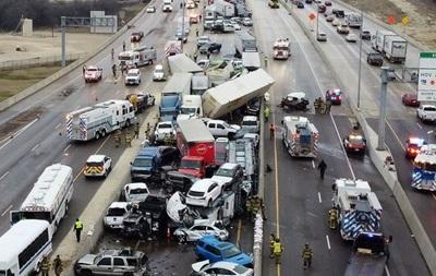 Гигантское ДТП в США: из-за гололеда на трассе столкнулось 130 автомобилей (ВИДЕО)