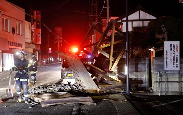 """Мощное землетрясение в Японии. Пострадало 120 человек, вытекла вода из бассейнов отработавшего ядерного топлива на АЭС """"Фукусима-1"""" (ФОТО, ВИДЕО)"""