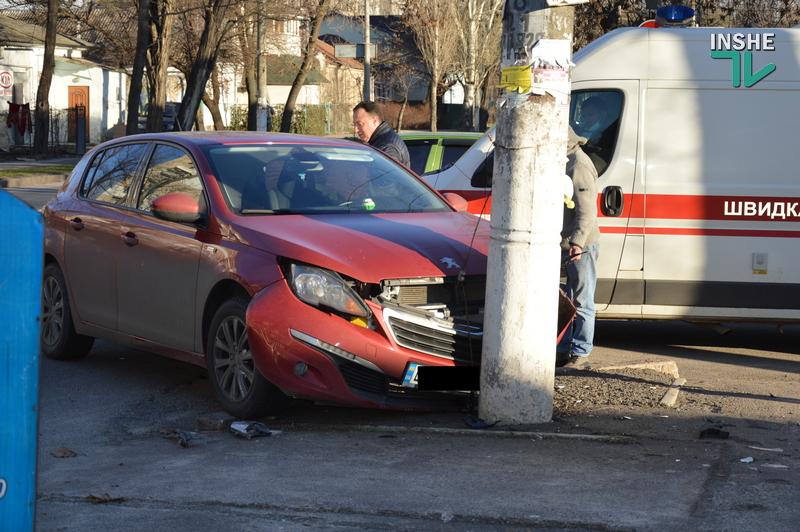 Не поделили дорогу: в центре Николаева в ДТП пострадали две иномарки (ФОТО) 5