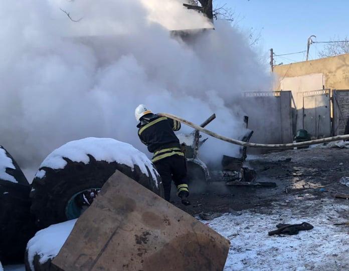 В Николаеве горел каркас авто, в Новой Одессе – летняя кухня (ФОТО) 1