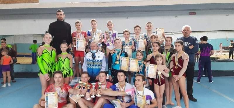 17 николаевских спортсменов добыли награды ХХХIХ открытого Всеукраинского турнира по спортивной акробатике и прыжкам на батуте (ФОТО)