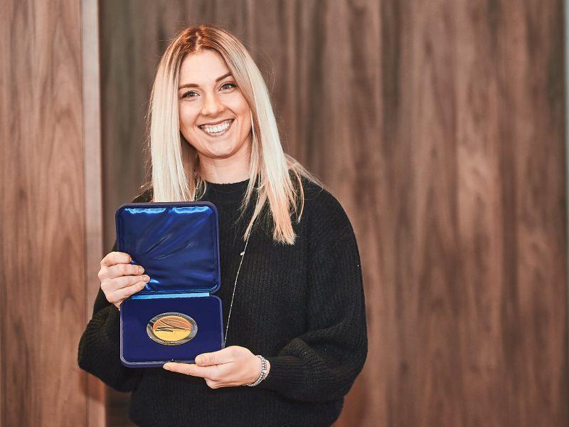 Николаевская саблистка Ольга Харлан получила награду от Международной федерации фехтования (ФОТО, ВИДЕО)