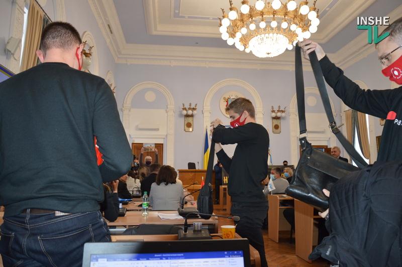 Николаевский горсовет осудил поступок депутата Невенчанного с публикацией фото Путина (ФОТО, ВИДЕО) 11