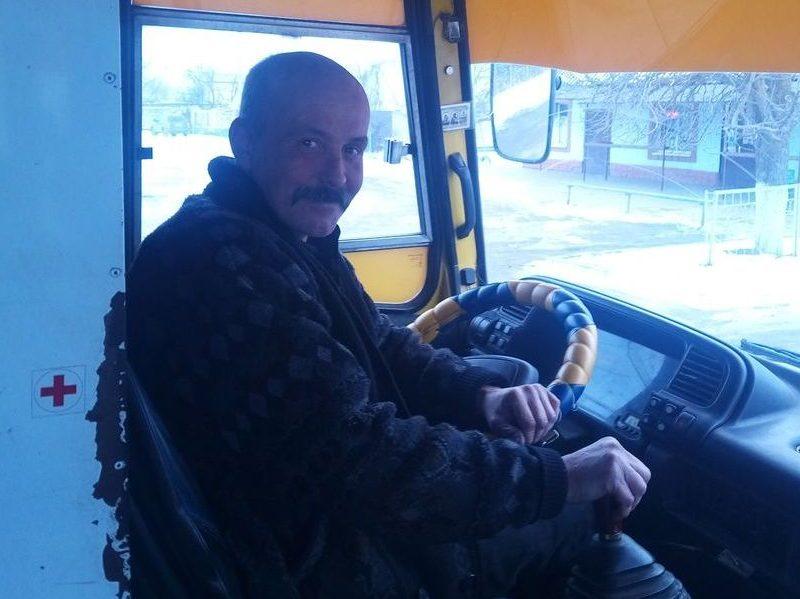 В Херсоне водитель маршрутки возит школьников не за деньги, а за хорошие оценки (ФОТО)