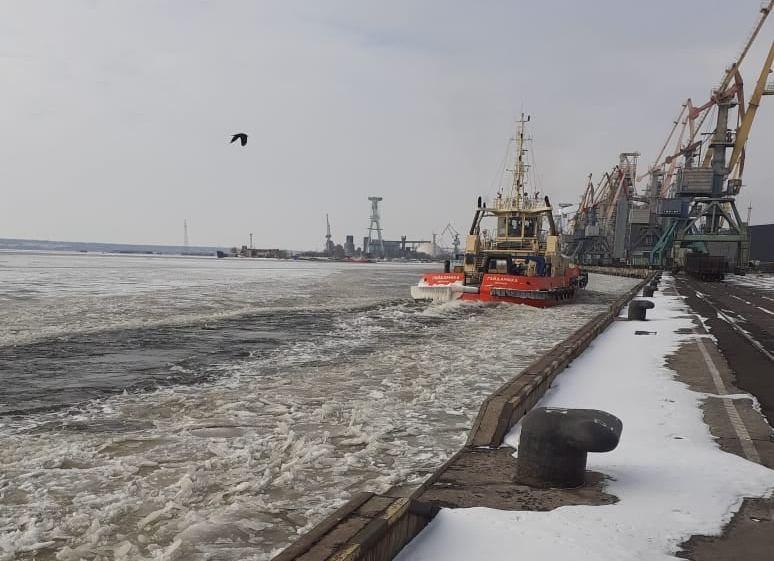 Второй раз за сезон в портах Николаева объявлена ледовая кампания (ФОТО)