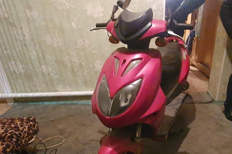 В Вознесенске полиция быстро разыскала угонщика женского мопеда (ФОТО)