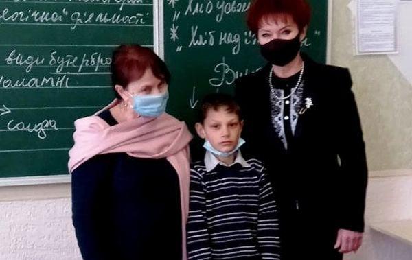 В Николаевской области пятиклассник спас жизнь первоклашки, провалившегося под лед (ФОТО)