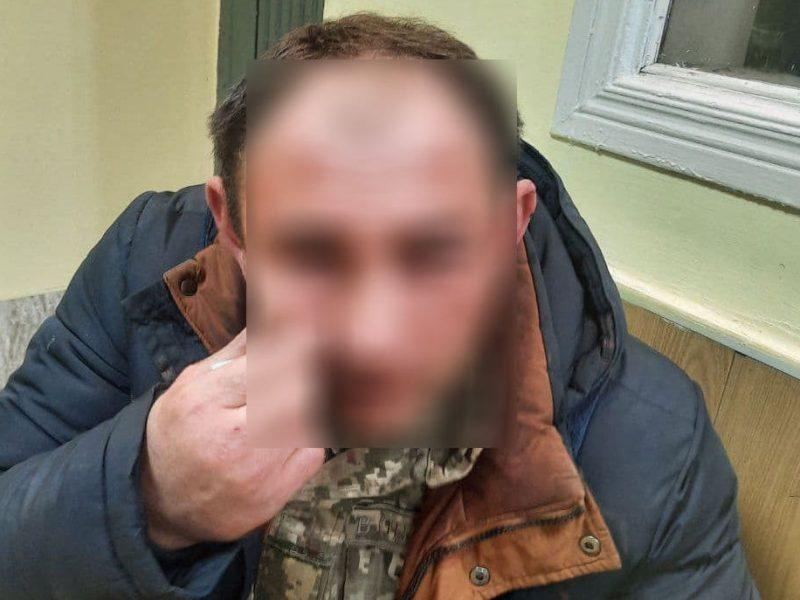 Пьяный и в розыске за грабеж: в Николаеве задержали жителя Хмельницкого (ФОТО)