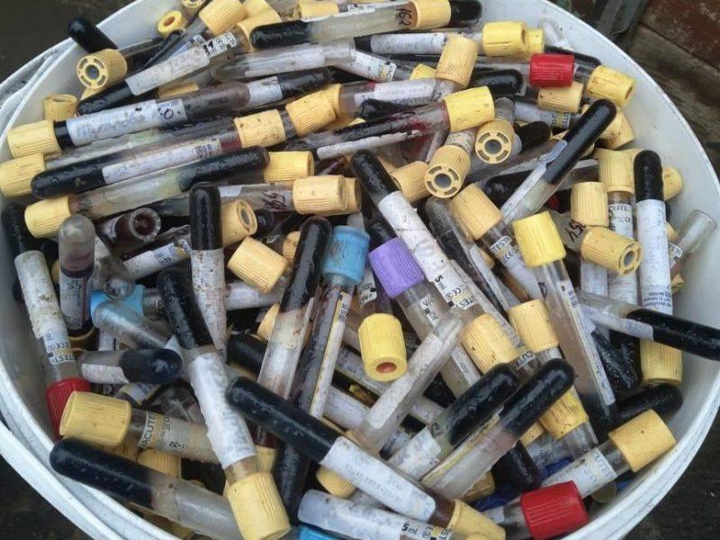 В Николаевской и Киевской областях обнаружены несанкционированные свалки эпидемически опасных медицинских отходов (ФОТО, ВИДЕО)