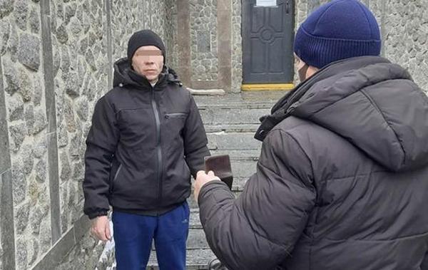 Николаевские полицейские передадут Молдове опасного преступника (ФОТО, ВИДЕО)