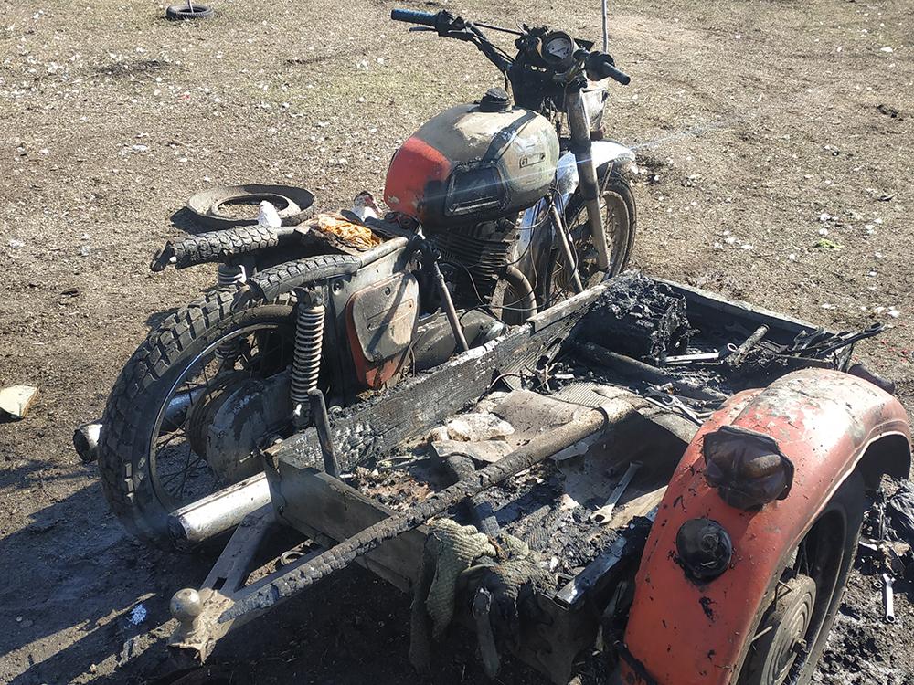 В селе Станционное горел мотоцикл, а в Витовском районе - баня и жилой дом (ФОТО) 1