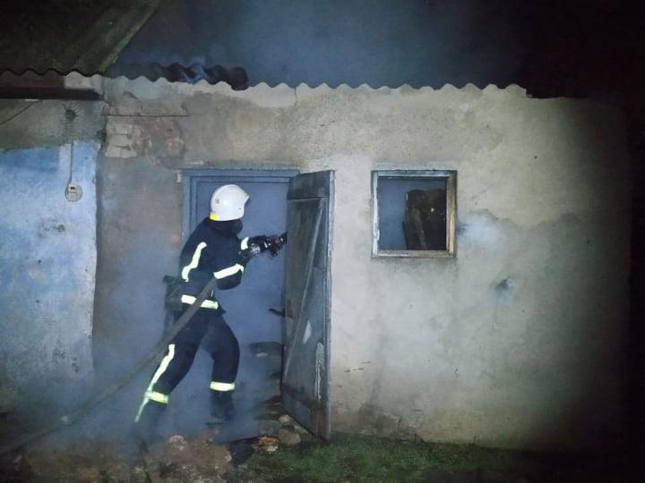 На Николаевщине за сутки горело две хозпостройки (ФОТО) 1