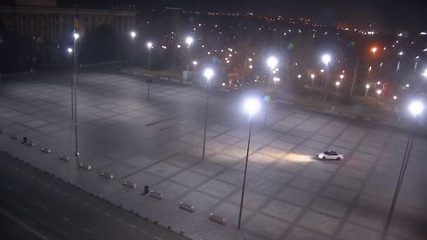 На главной площади Николаева неизвестный ночью устроил авто-дрифт – его обещают найти (ВИДЕО)