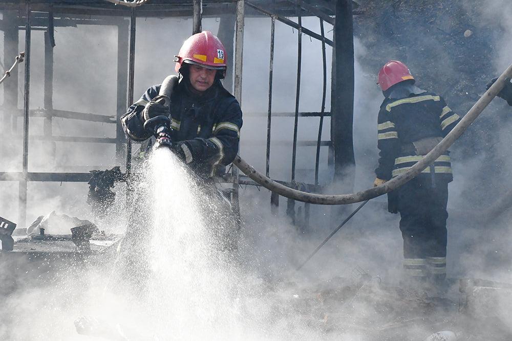 В Варваровке сгорели две хозпостройки (ФОТО) 1
