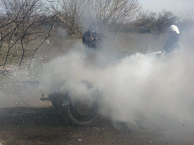 В селе Станционное горел мотоцикл, а в Витовском районе — баня и жилой дом (ФОТО)