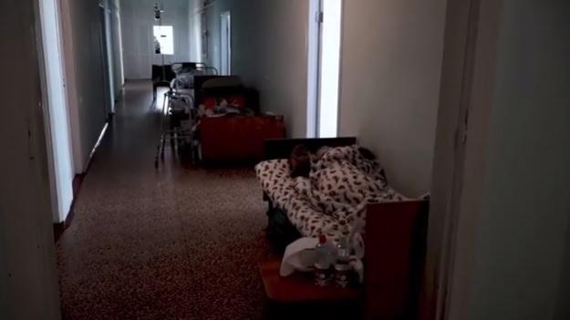 Люди лежат даже в коридорах: мэр Николаева показал ситуацию в больницах, где лечат больных COVID-19 (ВИДЕО)