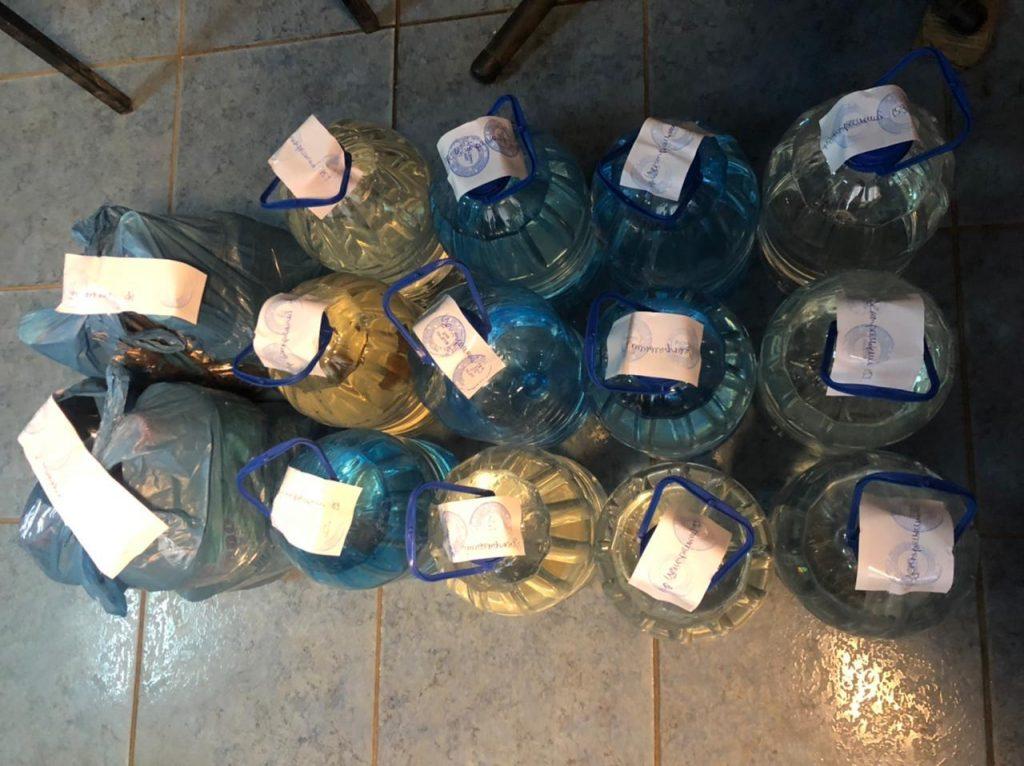 Налоговики Николаевщины из незаконного оборота изъяли 100 литров алкоголя (ФОТО) 1