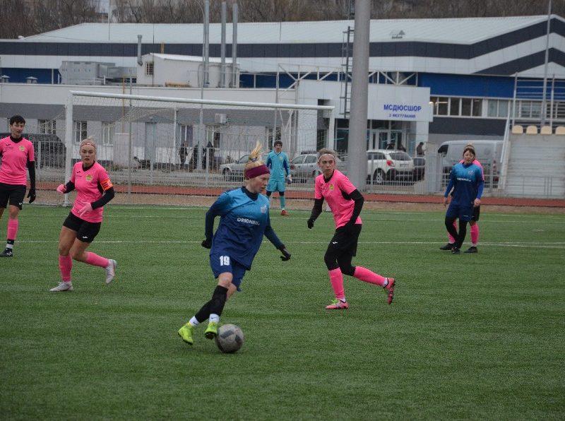 В Николаеве проходит «8-мартовский» международный турнир по женском футболу (ФОТО)