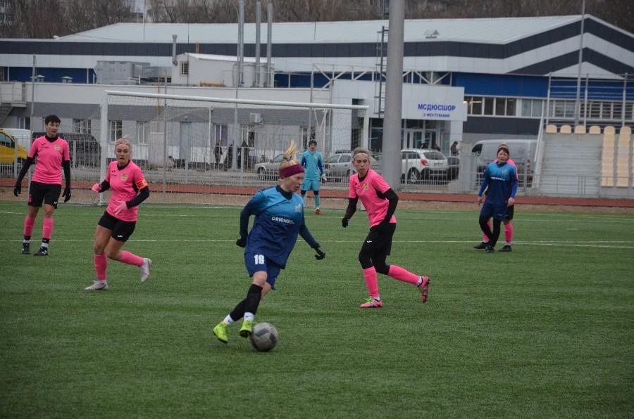 В Николаеве проходит «8-мартовский» международный турнир по женском футболу (ФОТО) 1