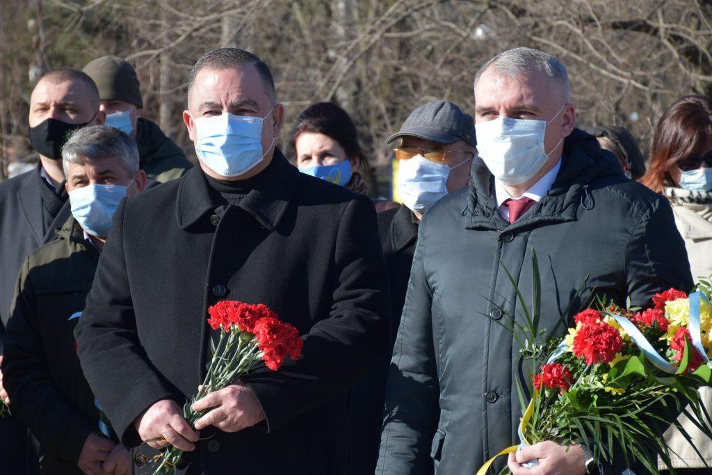 Николаевцы почтили память Кобзаря Тараса Шевченко (ФОТО) 1