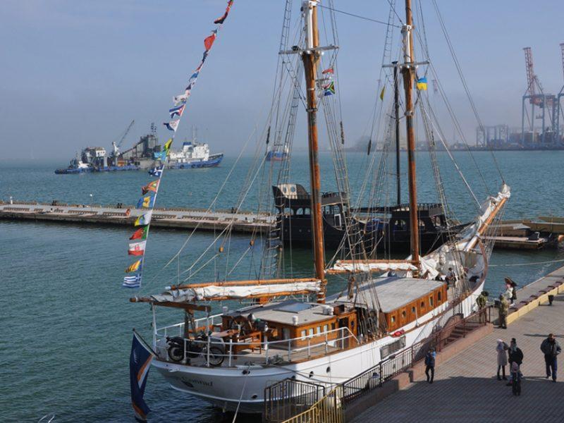 В Одессу прибыла уникальная 105-летняя яхта. Возможно, мы увидим ее и в Николаеве (ФОТО)