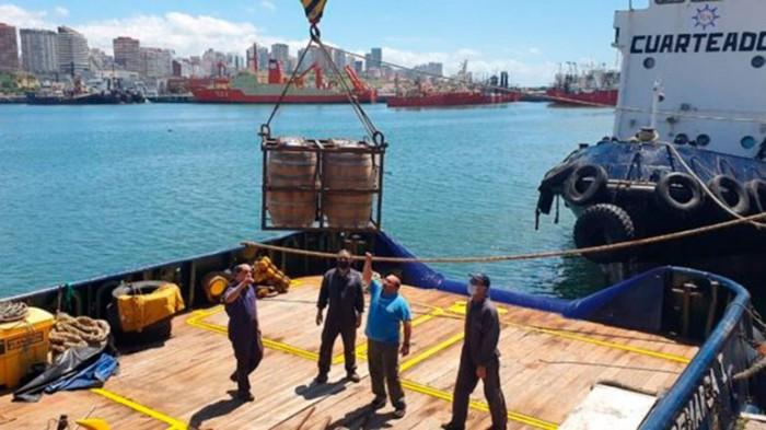 В Аргентине украли 600 литров эксклюзивного пива, дозревавшего на затонувшем судне на глубине 20 метров