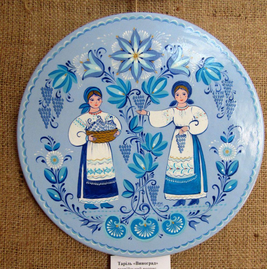 В Николаеве открылась выставка уникальной таврийской росписи Любови Паранюк (ФОТО) 23