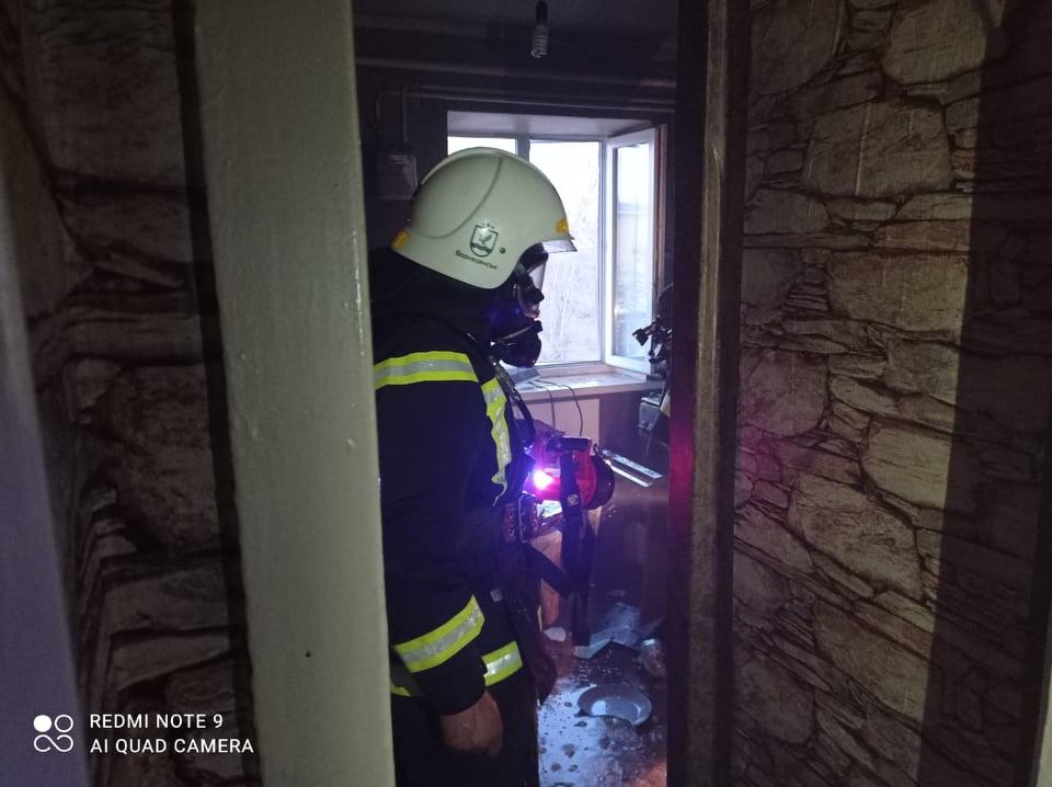 В Вознесенске горела квартира, соседей пришлось эвакуировать (ФОТО) 1